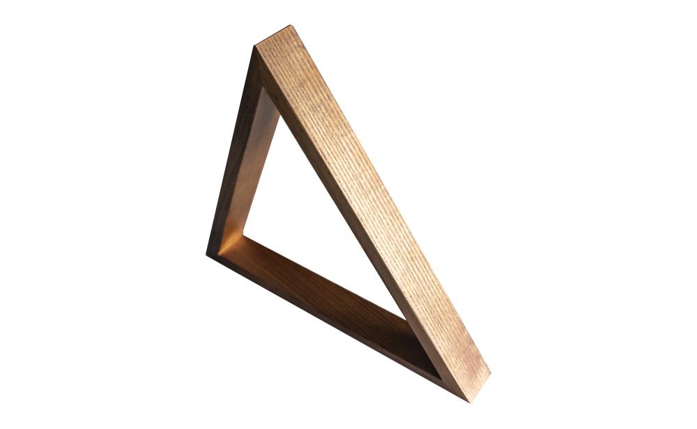 Triangulo de Madeira n/ fabrico